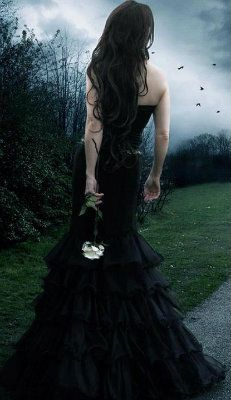 gothic girl with white rose Gothic Mode, Dark Gothic, Gothic Art, Victorian Goth, Gothic Steampunk, Dark Beauty, Gothic Beauty, Dark Fashion, Gothic Fashion
