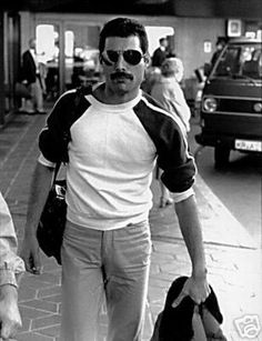 "Freddie Mercury (singer of rock & roll group ""Queen"") Queen Freddie Mercury, Discografia Queen, Queen Band, John Deacon, Freddie Mercuri, Freedy Mercury, Rock And Roll, Roger Taylor, We Will Rock You"