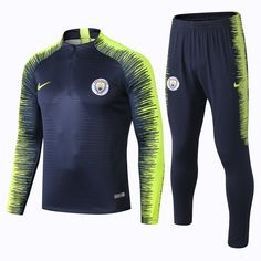 check out 03a1f 6cbd3 Manchester City F.C. Football club Nike 2018 - 19 Replica TRAINING Casual  TOPS TRACKSUIT FÚTBOL CALCIO SOCCER FUSSBALL BNWT Men s Jogging Tracksuit  Zip ...
