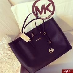 Michaelkor Outlet! OMG!! Holy cow, Im gonna love this site