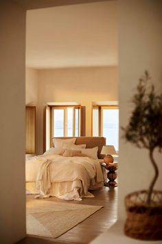 The Nordroom - A Greek villa decorated in warm natural tones by Zara Home Home Interior, Interior Design, Appartement Design, Scandinavian Apartment, Bedroom Styles, Small Apartments, Interior Inspiration, Bedroom Decor, Zara Home Bedroom