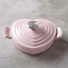 Le Creuset Cast-Iron Heart-Shaped Dutch Oven, Pink