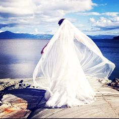 Beautiful bride in Norway, shot by fotograf Lene Fossdal 💖🌷