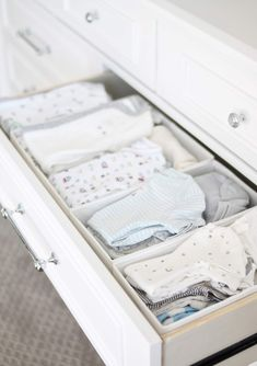 (A Classic Baby Boy Nursery) and White: Nursery Reveal! (A Classic Baby Boy Nursery) Baby Boys, Baby Boy Rooms, Baby Boy Nurseries, Baby Bedroom, Baby Room Decor, Baby Nursery Organization, Organization Ideas, Baby Wardrobe Organisation, Nursery Drawer Organization