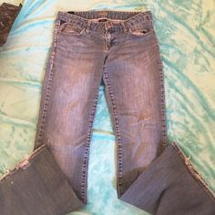 "Vanity jeans This is a pair of Vanity blue jeans they are size 28"" with a 33"" inseam.  The jeans have fraying in bottom but otherwise in good condition Vanity Jeans Boot Cut"