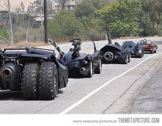 Funny pictures about Just all the Batman cars on the road. Oh, and cool pics about Just all the Batman cars on the road. Also, Just all the Batman cars on the road. Batman Auto, Batman Batmobile, Batman Batman, Funny Batman, Film Cars, Movie Cars, E90 Bmw, Pt Cruiser, Us Cars