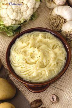 Il segreto per far mangiare il cavolfiore a grandi e piccini è trasformarlo in #purè (cauliflower puree)! #ricetta #GialloZafferano #italianfood #italianrecipe