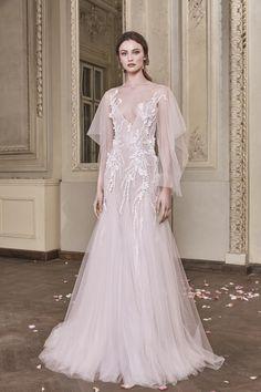 Lynne Wedding Gown #LynneWeddingGown #OtiliaBrailoiuAtelier #weddingdress #AnUntoldPoem