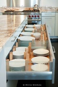 This kitchen uses drawers instead of cabinets to store dishes. How useful and pr…  This kitchen uses drawers instead of cabinets to store dishes. How useful and practical would this be for a family kitchen design.  http://www.coolhomedecordesigns.us/2017/11/27/this-kitchen-uses-drawers-instead-of-cabinets-to-store-dishes-how-useful-and-pr/