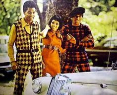 """Body-clinging knits stress masculinity with lean, sexy look."" Ebony magazine's September 1970 fashion shoot for men, taken in New York Central Park… 70s Fashion Men, Sixties Fashion, Black Women Fashion, Fashion Shoot, Retro Fashion, Vintage Fashion, Old Hollywood Glamour, Retro Look, Summer Of Love"