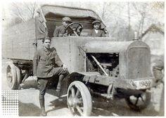 Ciężarowy Austro-Fiat 5t, Województwo Ślaskie | Samochód nr rej. [ŚL 1989] pochodzący prawdopodobnie z demobilowej wyprzedaży wojskowej jaką przeprowadzono w latach 1921-24 w celu ujednolicenia taboru samochodowego w polskiej armii.  Fotografia wykonana w nieznanym miejscu w 1926 r.  Napis na odwrocie: Kamieniarz Leon Dnia 21/VIII 1926  fot. n/n