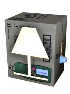 CUBE. lampada da tavolo realizzata recuperando imballaggi in cartone.