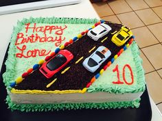 Easy race track birthday cake for car or hot wheels themed kids party.
