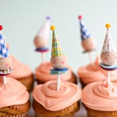 """""""Sweetest clown cupcake toppers on www.ohhappyday.com today!"""""""