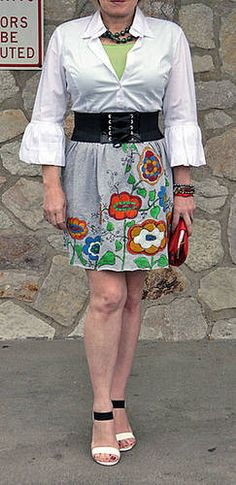 Craftster Photo Hosting - No-Sew Tee Shirt Skirt Project 1: Not Quite Neon - Powered by PhotoPost