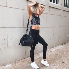 Goalsss check out our stories to see workout (shop link in bio) Sport Fashion, Fitness Fashion, Girl Fashion, Fashion Outfits, 2010s Fashion, Fitness Wear, Fashion Trends, Nike Outfits, Sport Outfits