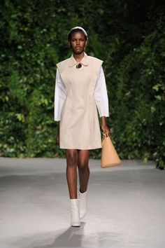 Opening Ceremony Spring 2016 Ready-to-Wear Collection Photos - Vogue  http://www.vogue.com/fashion-shows/spring-2016-ready-to-wear/opening-ceremony/slideshow/collection#3