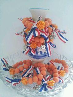 dutch bracelets for queensday / kingsday /kroningsday *holland* by BengeltjesBeads