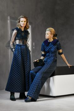 Fendi Pre-Fall 2020 Fashion Show Collection: See the complete Fendi Pre-Fall 2020 collection. Look 36 Live Fashion, Fashion 2020, Runway Fashion, Fashion Trends, Fashion Fashion, Fashion Editorials, Fendi, Vogue Paris, Vogue Russia