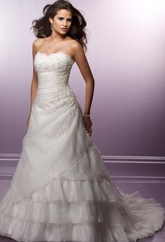 A-Line/Princess Sweetheart Chapel  Bridal Gowns