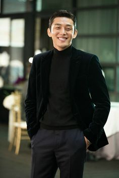 Yoo Ah In is a top star who has a crush on an older drama writer in 'Like for Likes. Asian Actors, Korean Actors, Korean Actresses, Oppa Ya, Park Hyung, Yoo Ah In, Le Male, Child Actors, Korean Men
