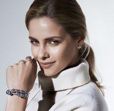 White turtleneck and PANDORA bracelet #PANDORAstyle