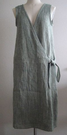 Boho Fashion, Fashion Outfits, Womens Fashion, Fashion Design, Diy Kleidung, Techniques Couture, Apron Dress, Linen Dresses, Diy Clothing