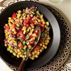 Spicy Chickpea Salad | This salad is a twist on the classic Indian street food called chana chaat.