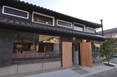 徳島県神山町に佇むレストラン「Cafe on y va(カフェ オニヴァ)」。丁寧に暮らすことを目指して神山町に移り住み、お店を営むオニヴァの方々に神山での暮らしについて伺いました。