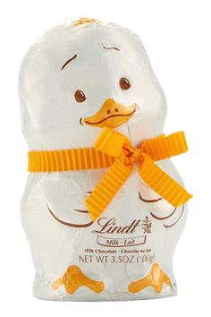 The Lindt Easter Chick is a cute Easter creation made with fine hollow milk chocolate. This playful figure is lovingly dressed with a ribbon and will be a sweet addition to Easter celebrations. Lindt Gold Bunny, Lindt Chocolate, Easter Gift Baskets, Easter Celebration, Easter Eggs, Milk, Celebrations, Amazon, Spring