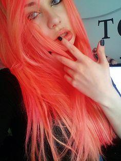 bright coral hair (my personal favorite) Peach Hair, Pink Hair, Pastel Coral Hair, Pink And Orange Hair, Violet Hair, Coral Orange, Coral Color, White Hair, Fucsia Hair