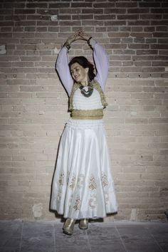 Parce que la bienveillance est notre alliée, nous vous présentons Rona Hartner, marraine du Télégraphe. Sensible, généreuse et véritable puits d'énergie, elle nous éblouit déjà ! « Il y a deux sortes de temps, le temps qui attend et le temps qui espère. » Jacques Brel.  Le Télégraphe reprend vie, attendez, espérez. C'est pour bientôt ! Cabaret, Live Music, Lace Skirt, Fashion, Life, Moda, Fashion Styles, Fashion Illustrations