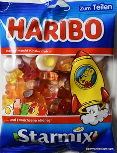 "The colorful ""Haribo Star Mix"" has become indispensable in the Haribo range. The galactic mix of fruit gum and marshmallow products in the flavors pineapple, cola, raspberry, juice orange and lemon is fun for the whole family. Chocolate Lava Cake, Chocolate Cookies, Fini Tubes, Haribo Gummy Bears, Big Iguana, Bubble Gum Flavor, Sleepover Food, Fruit Gums, Little Girl Toys"