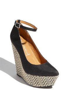 Love this wedge.
