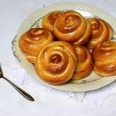 Velikonoční jidáše Sweet Pastries, Dry Yeast, Easter, Baking, Recipes, Food, Sweets, Easter Activities, Bakken