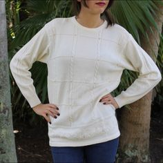 ⬇️REDUCED⬇️Liz Claiborne Wool Blend Sweater 54% lambswool  45% acrylic.                                     Gently used, excellent condition Liz Claiborne Sweaters Crew & Scoop Necks