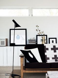 Via Aniliini | Black and White | AJ Floor Lamp | Midcentury