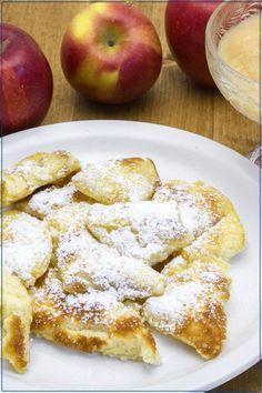 Rahmschmarrn mit Bratapfelmus (German Sweet Recipes)