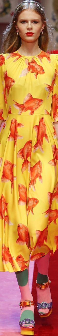 Dolce & Gabbana Spring 2018 RTW Orange Color Combinations, Stefano Gabbana, Yellow Fashion, Mode Inspiration, Peplum Dress, Luxury Fashion, Crabs, Couture, Orange Yellow
