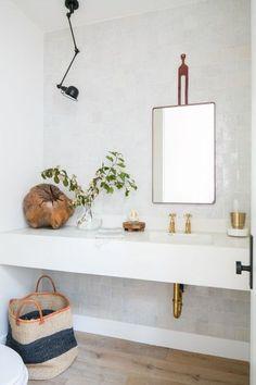 Powder bath with white zellige tiles Brick Bathroom, Bathroom Plants, Boho Bathroom, Bathroom Styling, Bathroom Interior Design, Home Interior, Decor Interior Design, Interior Decorating, White Bathroom