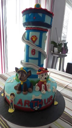 Ideas Cupcakes Anniversaire Pat Patrouille For 2019 Fondant Cupcakes, Cute Cupcakes, Baby Shower Cupcakes, Birthday Cupcakes, Cupcake Cakes, Paw Patrol Tower, Cake Disney, Cupcake Recipes From Scratch, Christmas Cupcakes Decoration