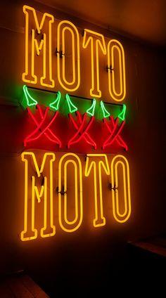Neon Moto Moto Amsterdam Regulierdwarsstraat Display!