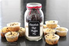 Interesting ideas for turning a Mason Jar into a Gift Mason jars are so easy to find in every home, they are the most common container of food, spices and ingredients in every kitchen, but with som…