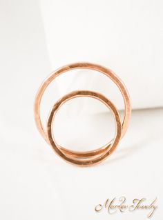 Simple Copper Band: Handmade, solid copper unisex hammered band.