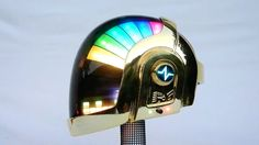 En lo más fffres.co: Un superfan de Daft Punk crea un casco que mola más que el original: Un… #Design #Daft_Punk #casco #led #diseño