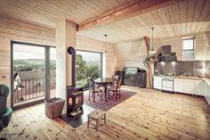Living.cz - Ze staré stodoly vzniklo bydlení s fantastickým výhledem do údolí Jizery