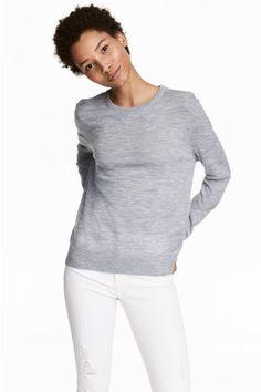 356cbe8a7f4d 33 εντυπωσιακές εικόνες με fouter | Blouses, Sweatshirts και Woman ...