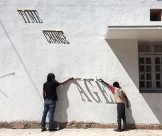 Innovative Graffiti Piece by Daku Uses Letters as Sundials