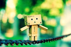 Nice and easy Danbo! Keep your balance! Robot Picture, Box Robot, Amazon Box, Japanese Robot, Danbo, Have Fun, Guy, Pictures, Bridge