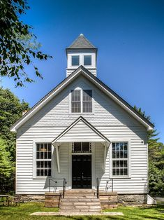 Living In A 1912 Schoolhouse Old School House Country
